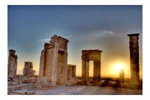 Entardecer em Persépolis
